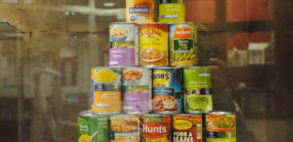 Food drive elicits the true holiday spirit